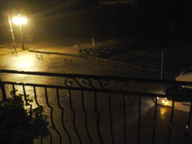 La Nuéjouls en crue à LAROQUE LE 28/11/2014 à 18 h