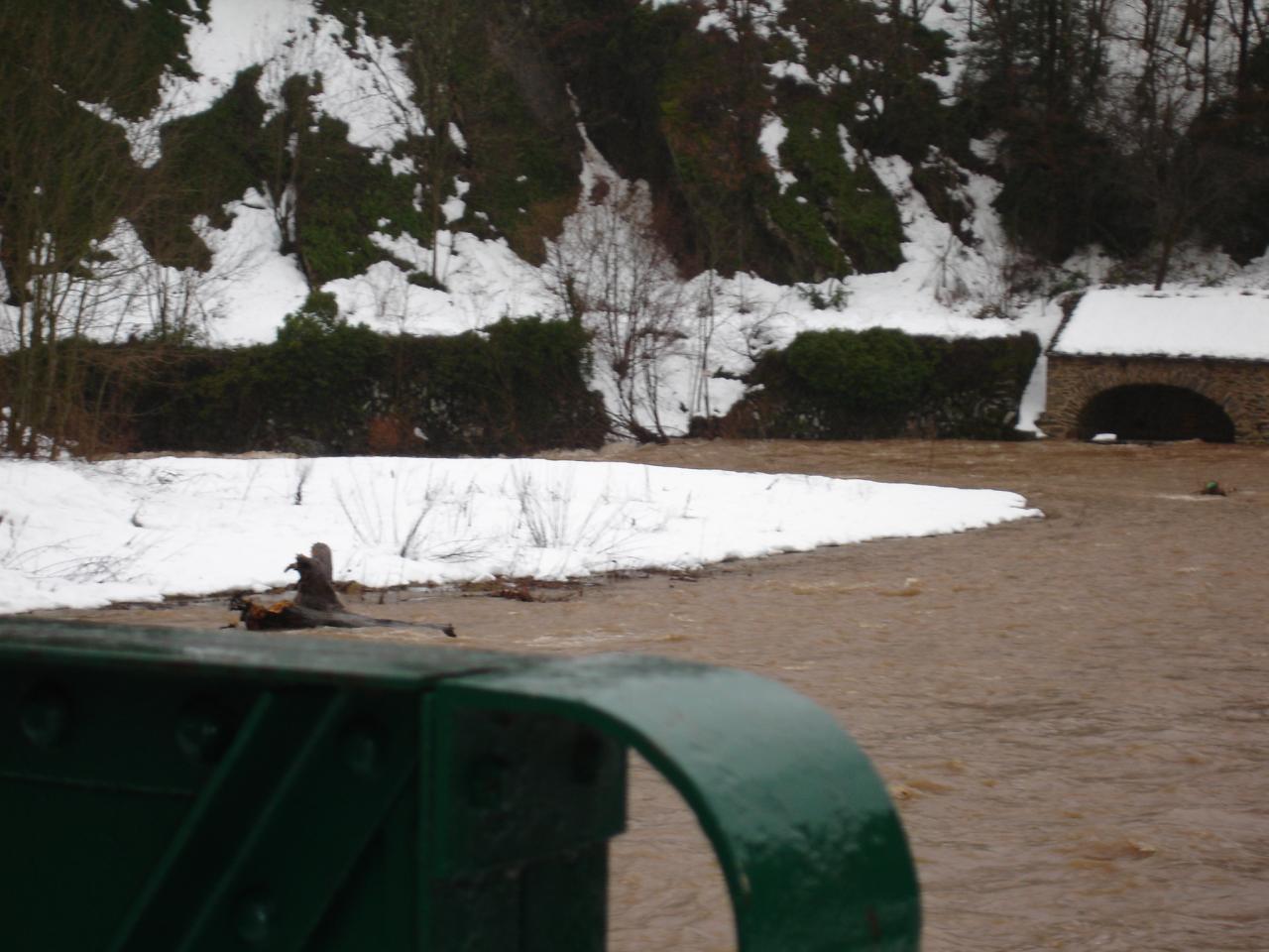 La Nuejouls sous la neige à LAROQUE en janvier 2006