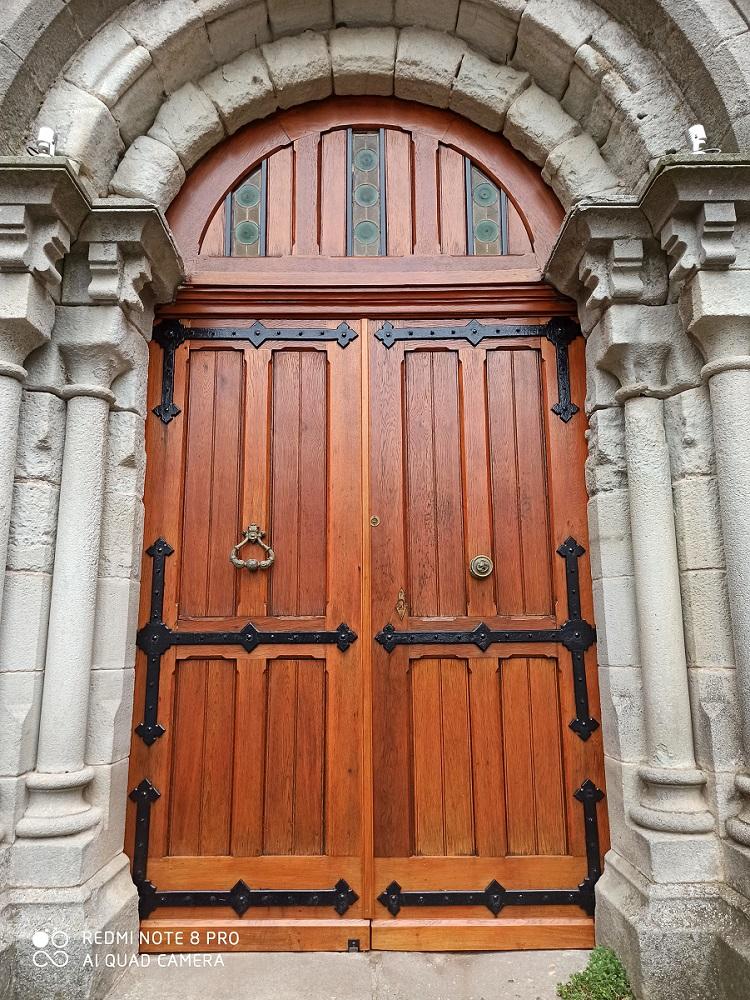 Rénovation de la porte de l'église de FAYET
