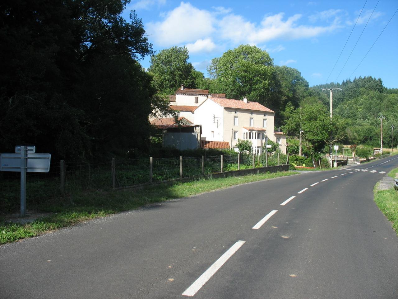 RD 902 à LAGRAVERIE