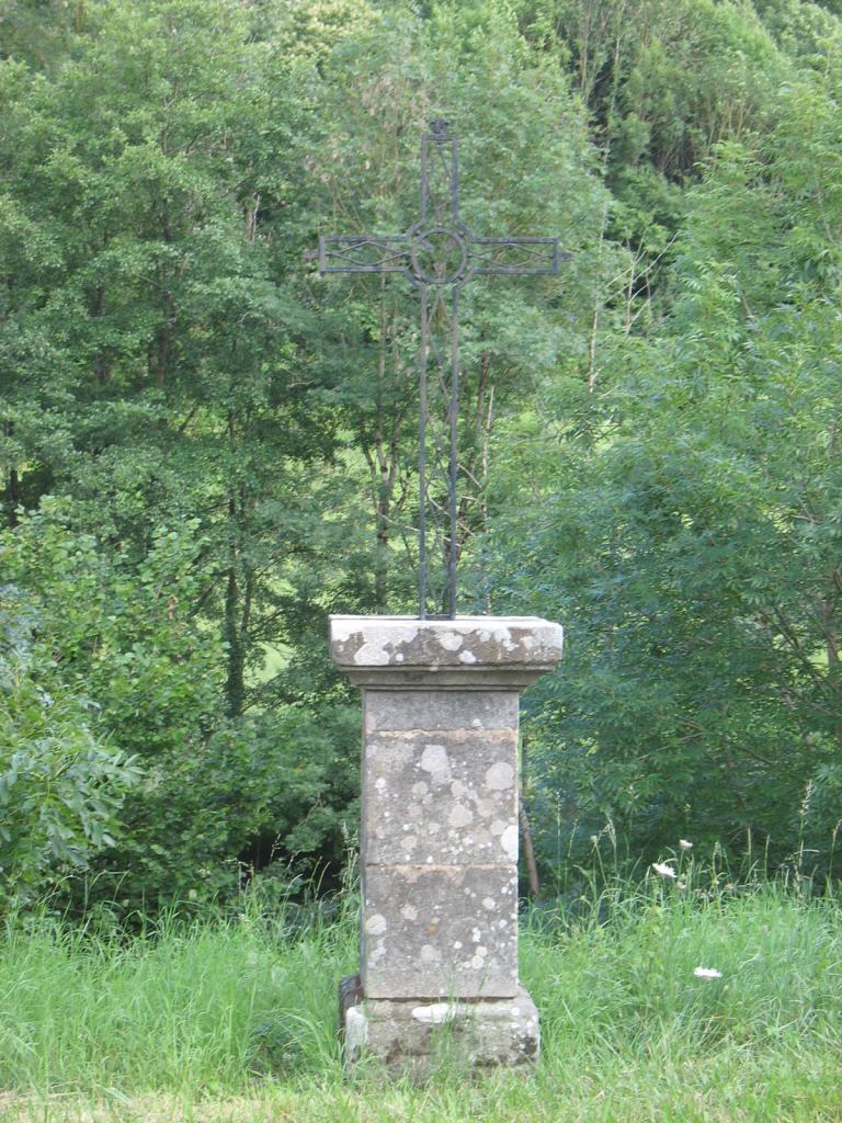 La croix du chemin du PLANET