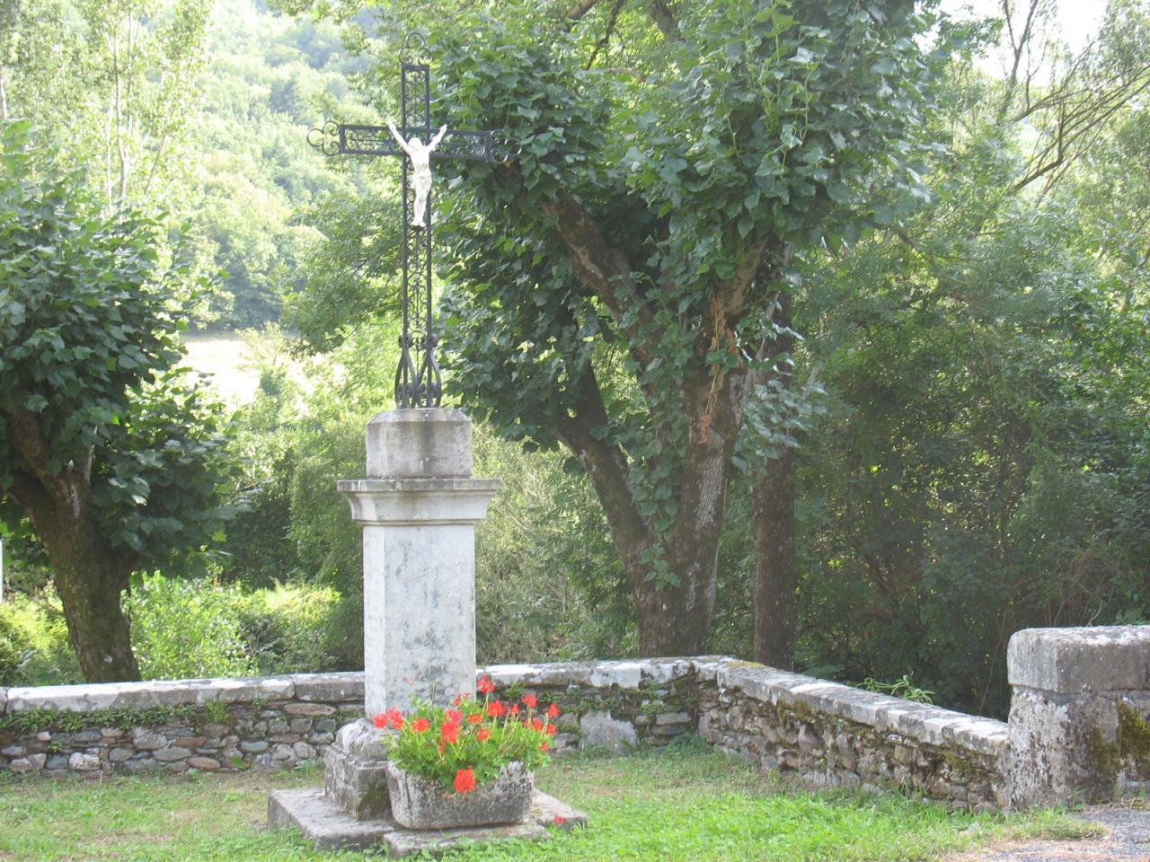 La croix à LAGRAVERIE