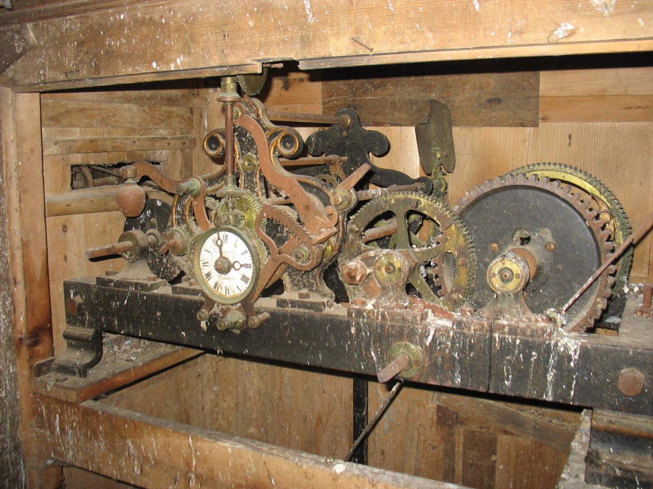 L'ancien mécanisme de l'horloge de LAROQUE