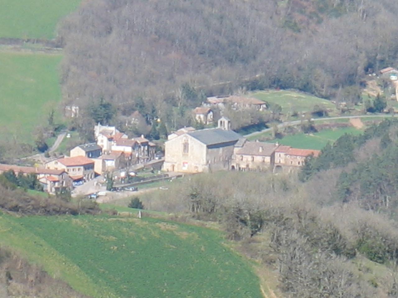 L'ABBAYE DE SYLVANES (vue du pic de Roste FAYET)