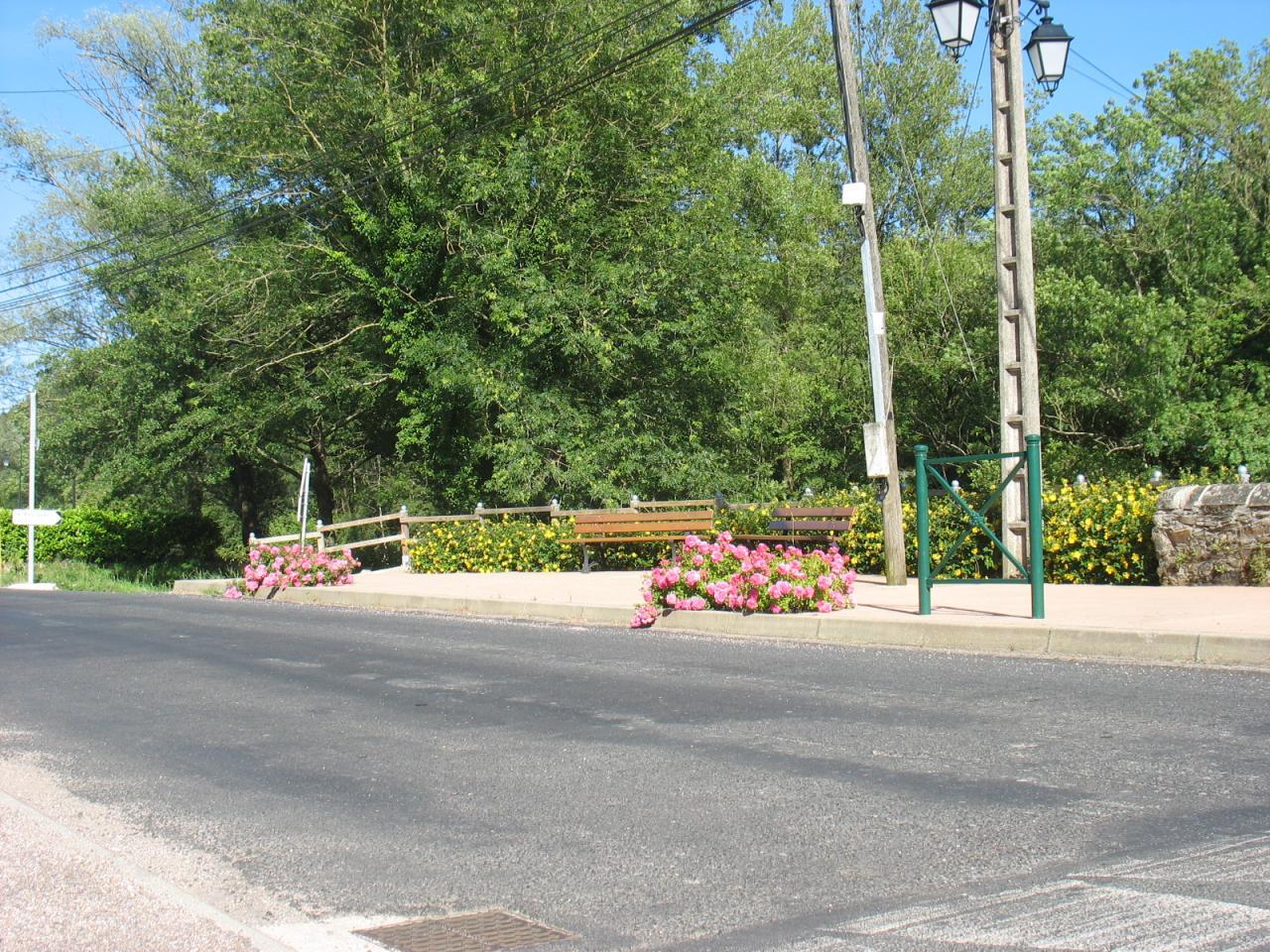 Espace détente entre RD902 et la rivière NUEJOULS à LAROQUE 2016