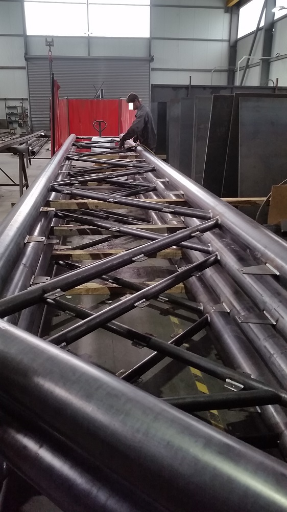 La Passerelle de LAROQUE en usine chez SUD METAL