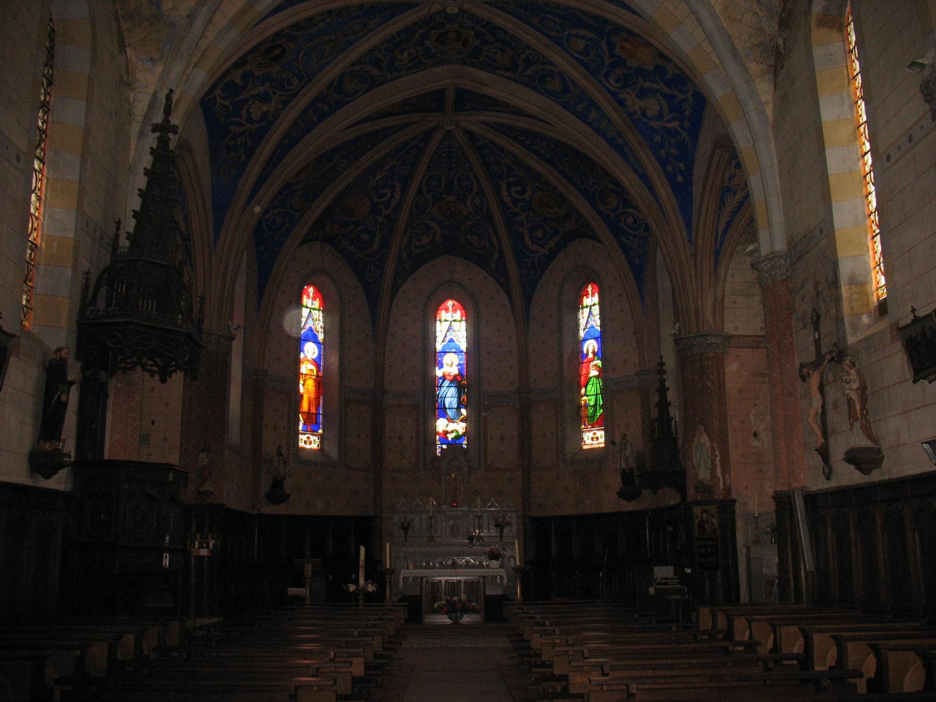 L'intérieur de l'église de LAROQUE