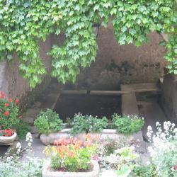 L'intérieur du lavoir de FAYET