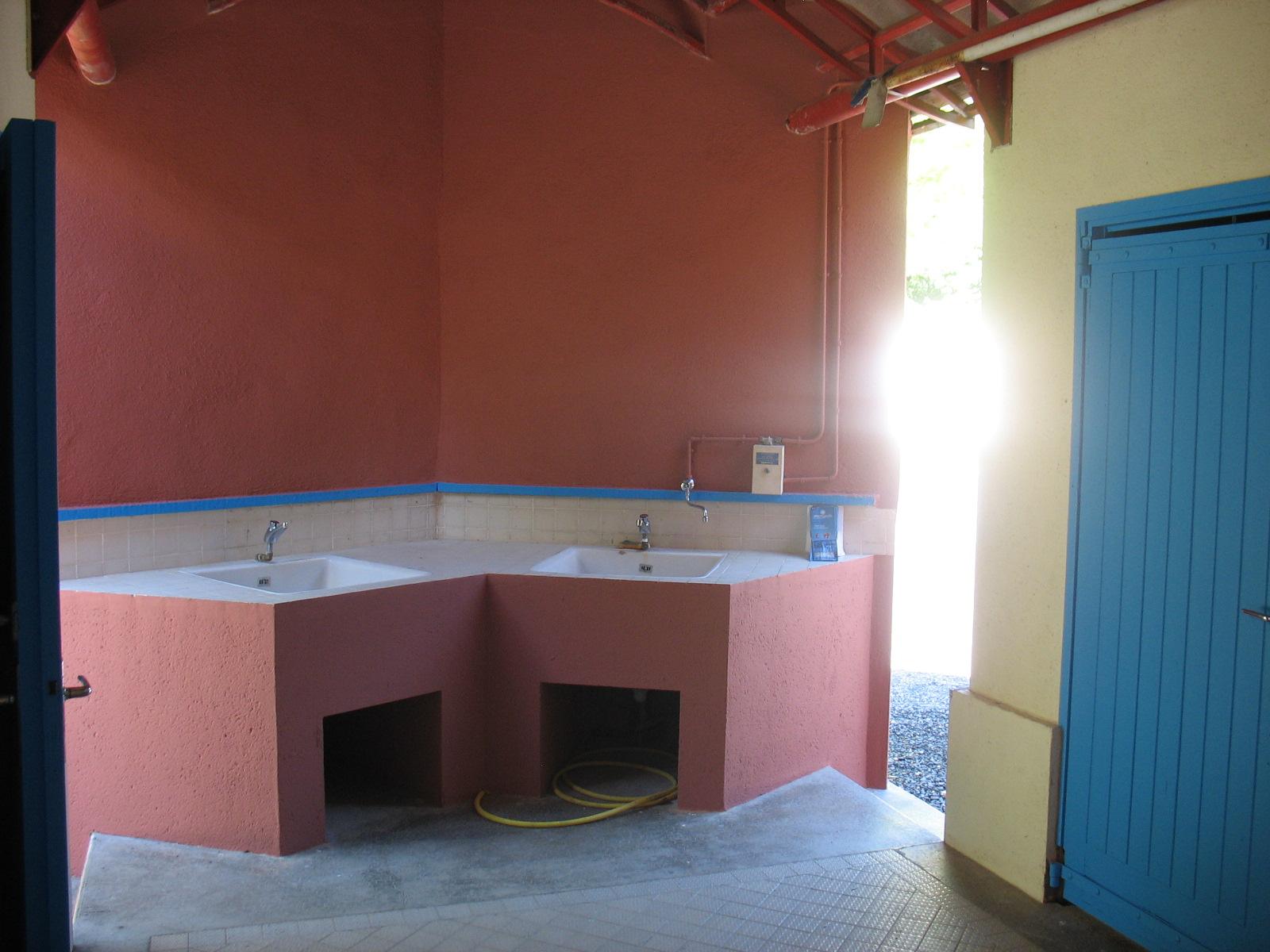 L'intérieur des sanitaires