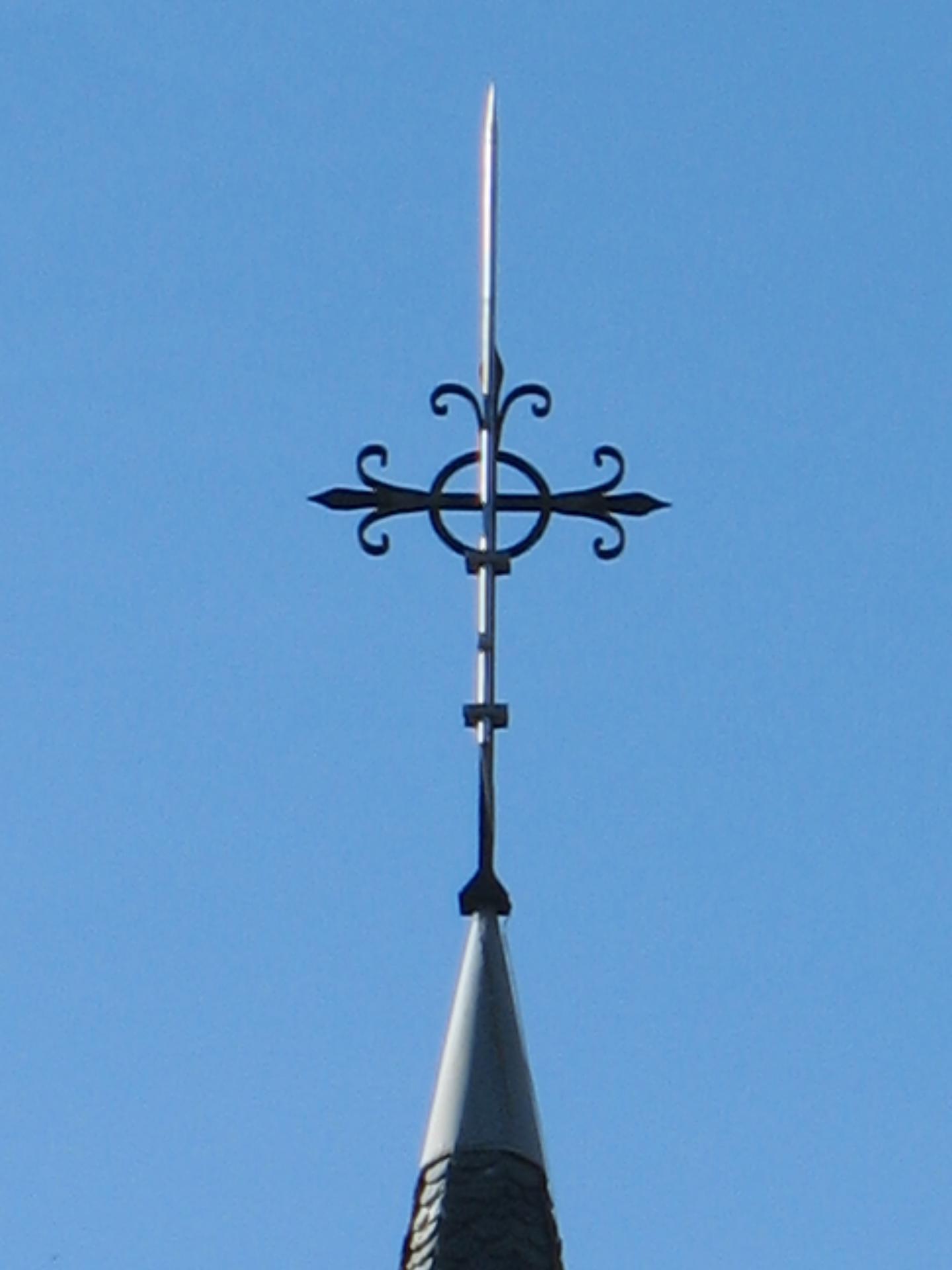 La flèche de l'église de LAROQUE