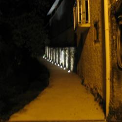 Le chemin du lavoir la nuit à La Graverie
